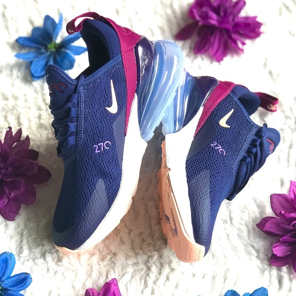 Nike Air Max 270 Women's low top running shoes 5.5 NWT